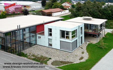 Ferienhaus projekt mit wohnmobilstellplatz bei mathis in for Mini wohnhaus