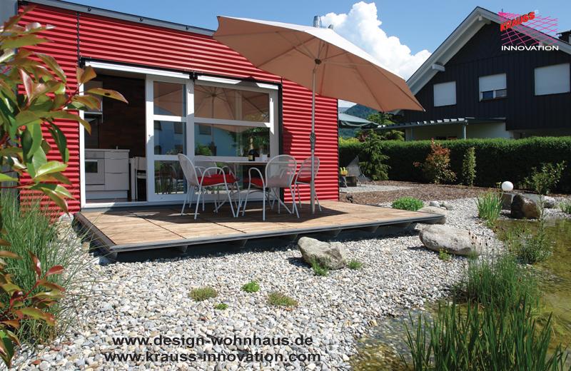 idyllische aussenanlage eines ferienhauses mit campingstation von krauss gmbh ahornstr 26. Black Bedroom Furniture Sets. Home Design Ideas